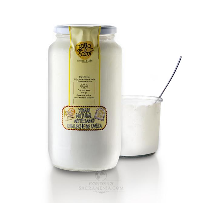 Yogur artesano de leche de oveja. Sabor natural. 900 grs.