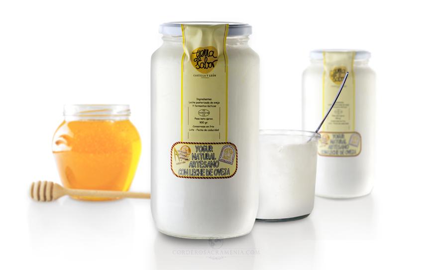 Yogur natural artesano de leche de oveja
